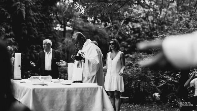 la bénédiction lors d'un reportage de Baptême