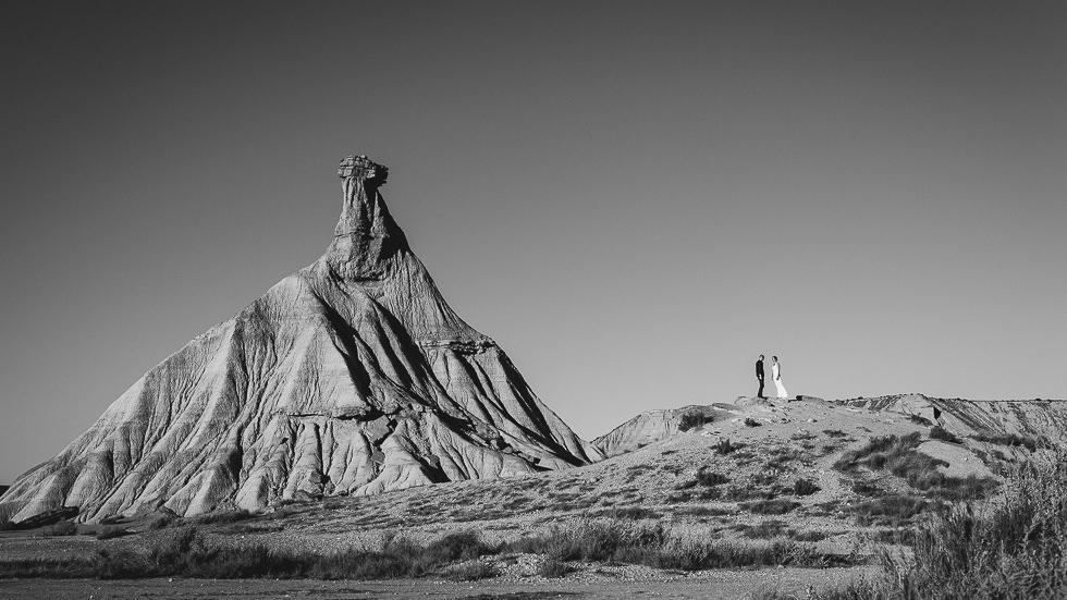 mariage-seance-couple-desert-bardenas-03