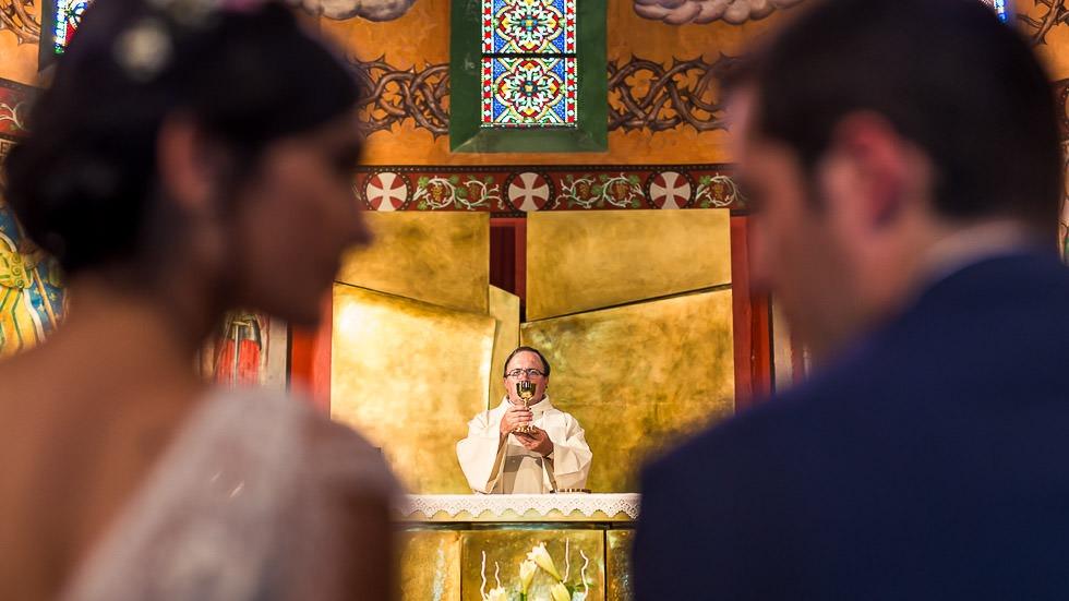 les mariés et le prêtre