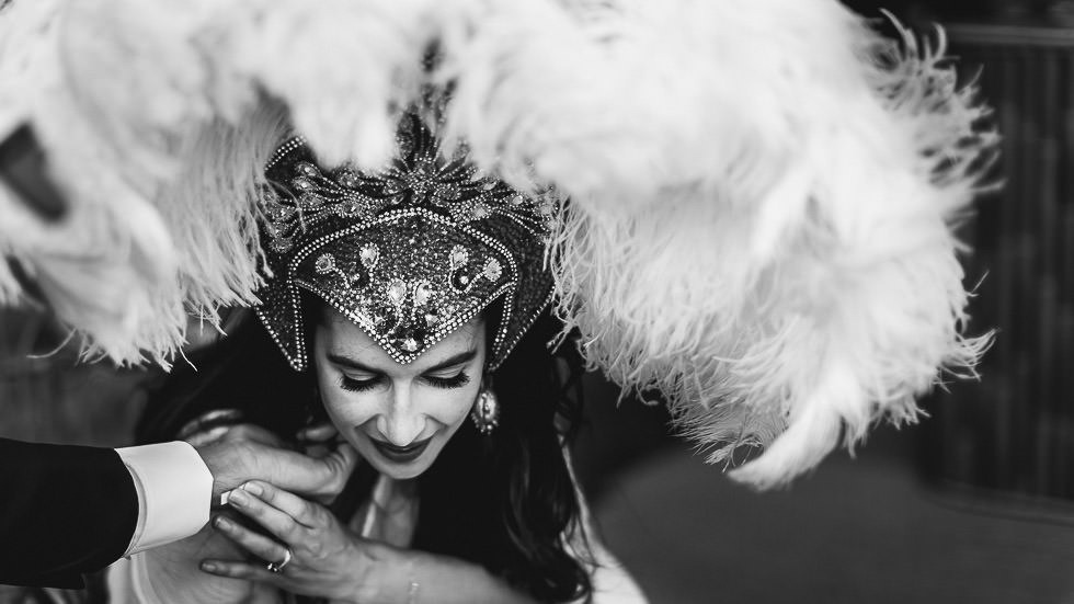 la mariée avec une coiffe