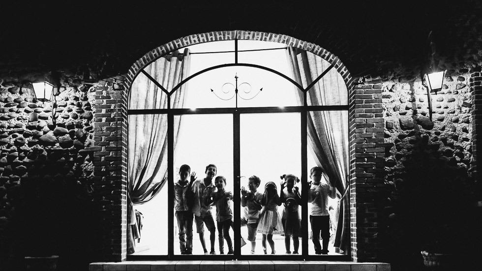 enfants lors d'un mariage