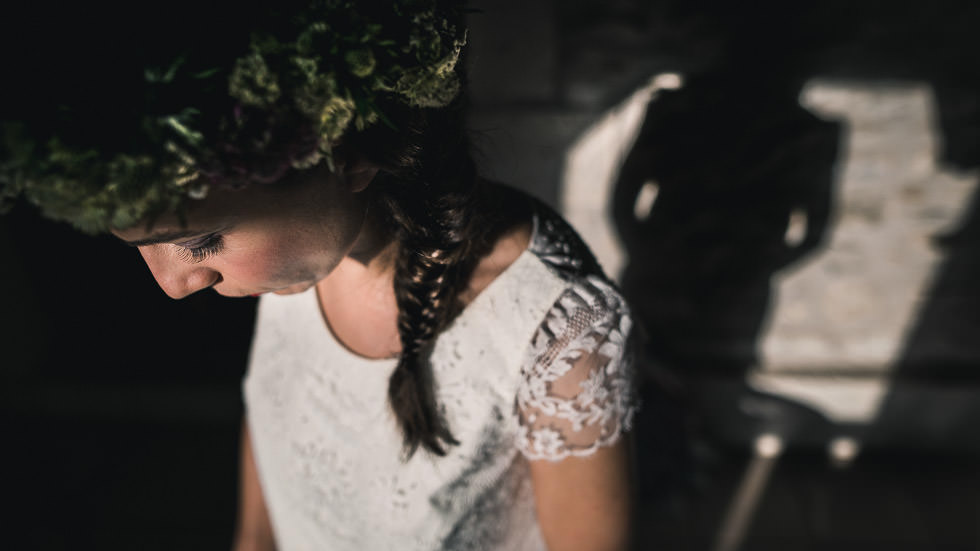 mariée à couronne de fleur