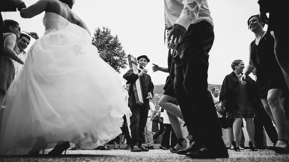 danse ossaloise au cours d'un mariage