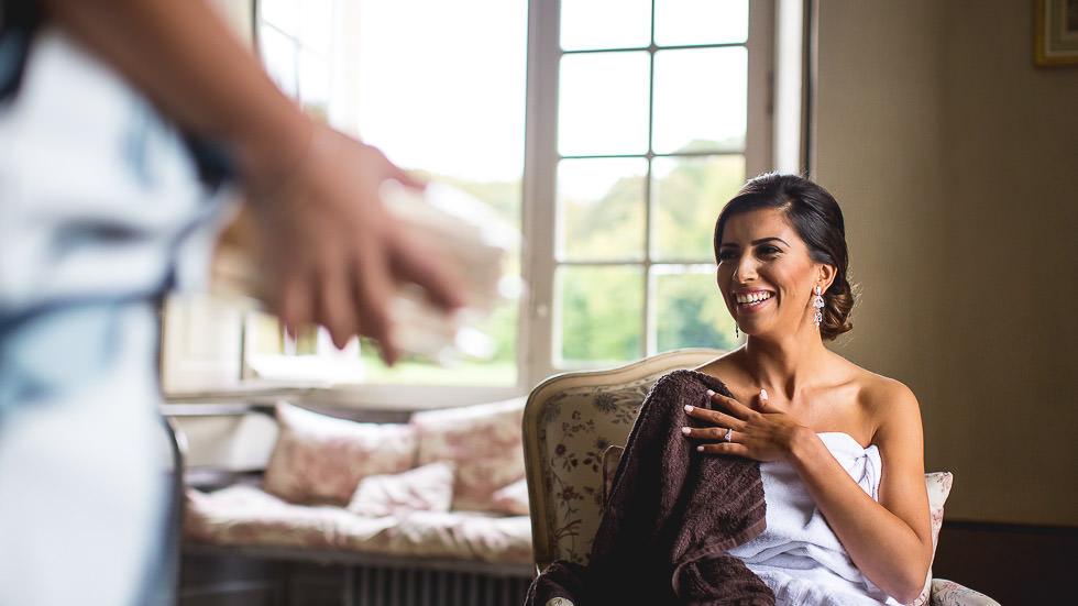 rire de la mariée