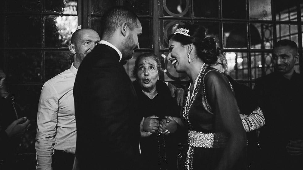 les mariés et la mamie