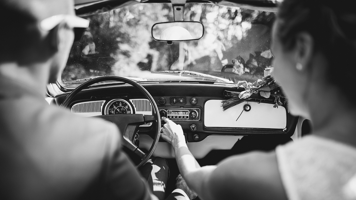 mariage-couple-voiture-pays-basque-050