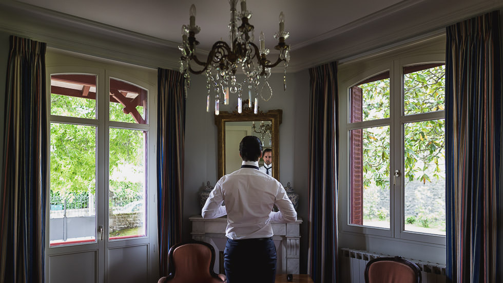 Photographies de mariage à Bayonne. Mairie de Bayonne. Château de Brindos. Par Gardères & Dohmen photographes de mariage.