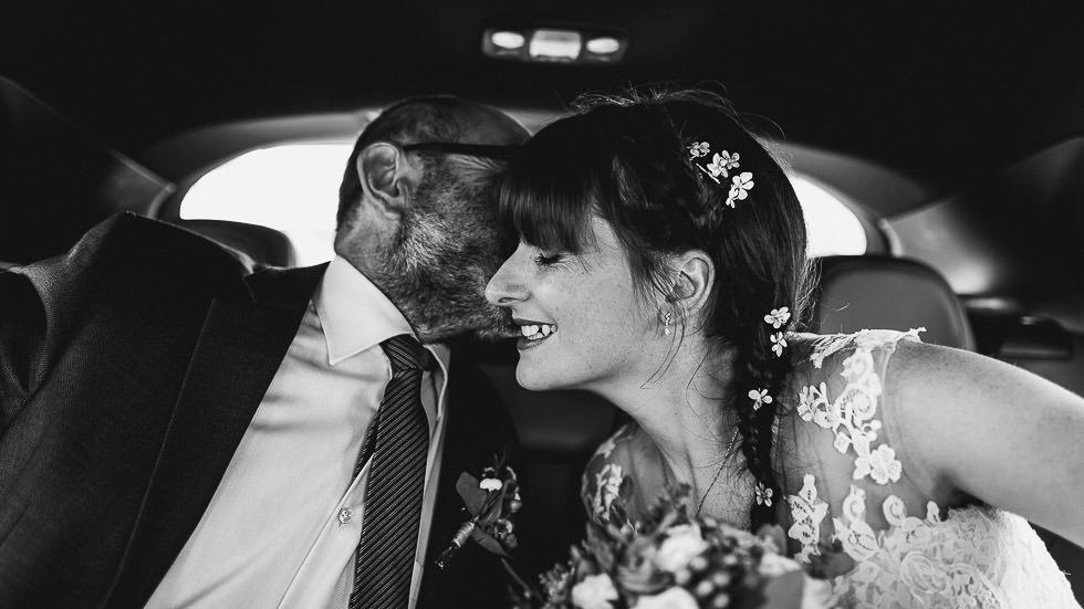 dans la voiture de la mariée