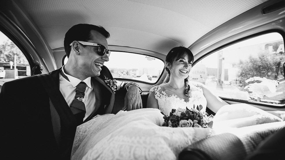 dans la voiture des mariés