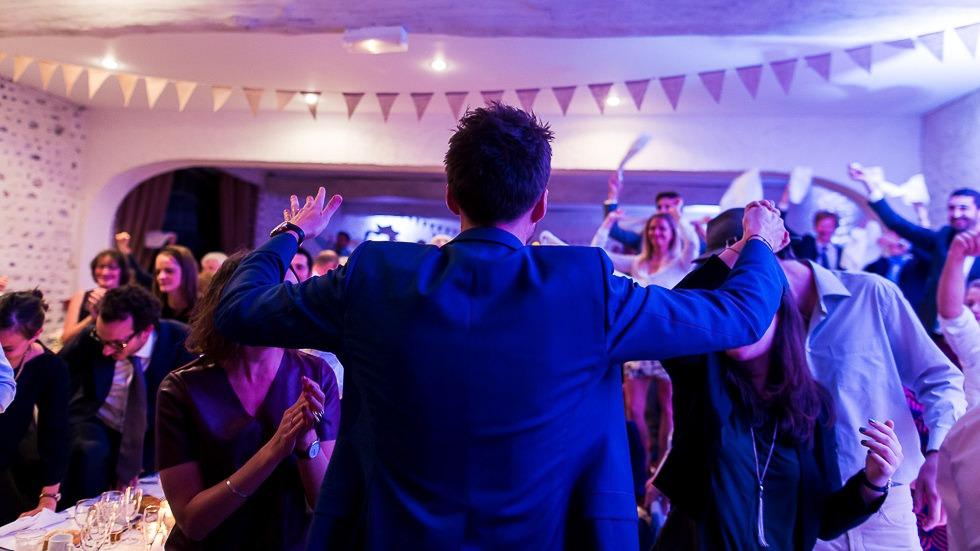 Entrée des mariés dans la salle du château de Boast