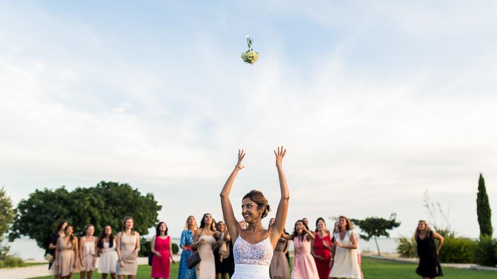 lancé du bouquin de la mariée
